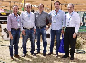 Eduardo Tricio, Emeterio Gomez, Rafael Tricio, Eduardo Villarreal y Javier Amarante