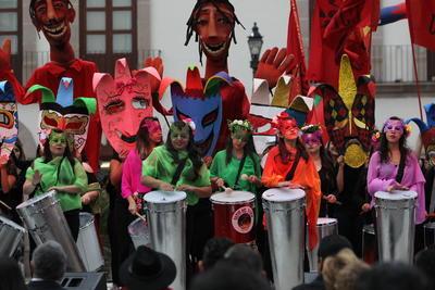 El Festival Cultural Universitario arrancó su XX edición en el 'Corazón de la ciudad'.