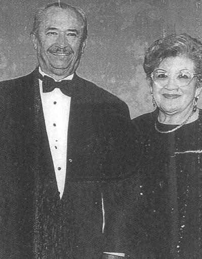 17032019 Eliseo Jesús González García y María Elena Chairez de González en su 25 aniversario de bodas en 1985.