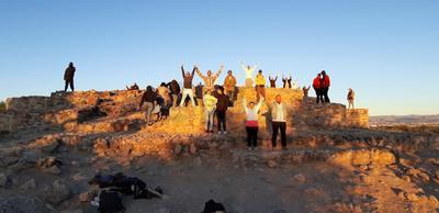 """""""Ya na je ya na je ya je ajeo, ya na je ya na je ya na je ajeo"""", es el coro de la danza que se bailó en la zona arqueológica La Ferrería."""