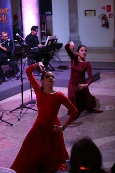 La ocasión se complementó con la participación especial de un grupo de danza contemporánea integrado por Cristian ferrani, Ana Karen García Badillo, Laura Padilla y Pamela.