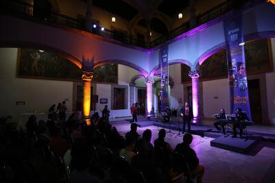 Gastronomía, baile y canto fueron la fusión perfecta para crear un Alfredo Carrillo, Karim Esparza y Rosalinda Calderón.