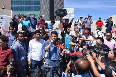 Leyeron sus peticiones en la explanada de la Plaza Mayor.