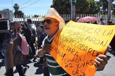 Ciudadanos expresaron quejas sobre el transporte público.