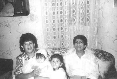 24032019 Luis Pimentel López, Chayo y Luis celebrando 47 años de casados. 13 de marzo de 1972.