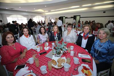 Silvia Gutiérrez de Alanís, Alma Conde de Muñoz, Conny Jacobo, Silvia Juriel, Thelma Meraz, Leticia Herrera y Esther Ávila.