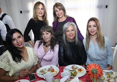 Marycarmen Garza, Cristi Tinoco, Malú Soto, Rosy Soto, Claudia Guerrero y  Lulú Hernández.