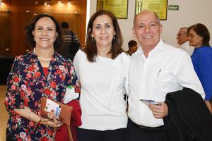 27032019 EN CONCIERTO DE LA CAMERATA.  Marcela, Susana y Arturo.