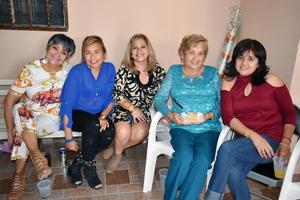 29032019 EN UN CUMPLEAñOS.  Consuelo, Rosy, Rosy, Martha y Blanca.