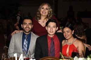 Marisa, Luis, David y Daniela Gonzalez