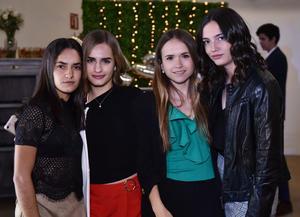 Maika, Priscila, Ursula y Ana Paula