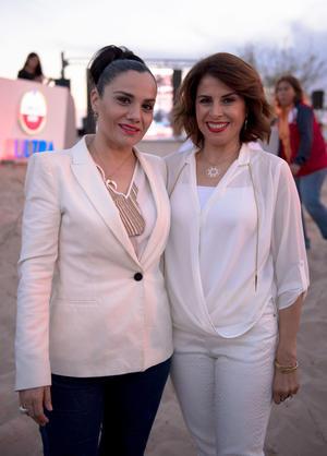 Gabriela Garza y Elisa Mena