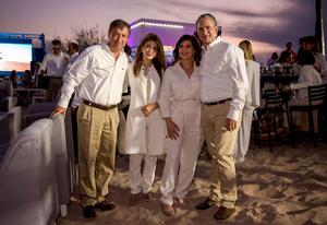 Gerardo y Karina Berlanga, Karla y Francisco Saracho.