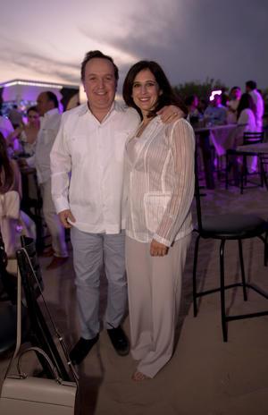 Juan Ramon Cardenas y Beatriz Garza