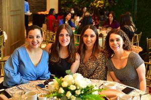 Ana Lucia, Andrea, Monserrat y Priscila