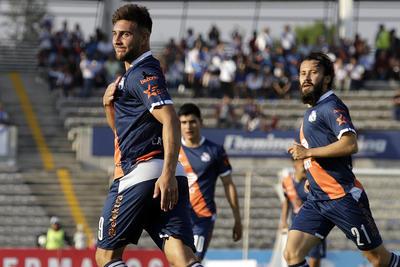 Con buen accionar y la mala fortuna del rival, el club de futbol Puebla se llevó el clásico local al vencer 4-0 a Lobos BUAP, en duelo que cerró la fecha 12 del Torneo Clausura 2019 de la Liga MX, disputado en el estadio Universitario BUAP.
