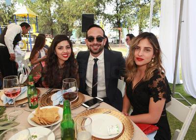 Ale Miranda, Humberto Gutiérrez y Marcela Romo.