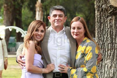 Paulina Miranda,  Raymundo Miranda e  Irma Mijares.