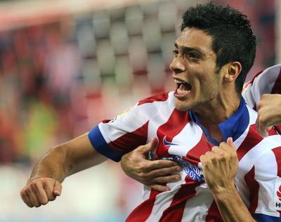 9.- Raúl Jiménez recaló en las filas del Atlético de Madrid tras salir desde América por 10.5 millones de euros