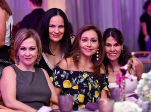 Ana, Magaly, Rosa y Phia