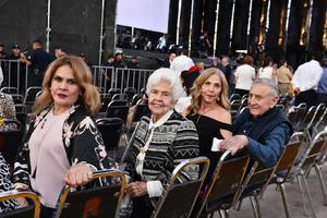 Mayela, Alicia, Maria Luisa y Jorge