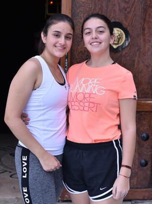 Fernanda y Victoria