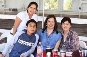 Ana González, Diego Gonzalez, Dorita Munoz y Aurora Siller