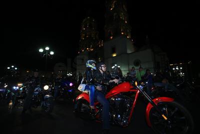 Estos motociclistas se preparan para la La Oficial ruta Durango-Mazatlán que se llevará a cabo los días 23 y 24 de abril.