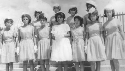Srita. Ana María Castro Salas el día de sus XV años, en 1965.
