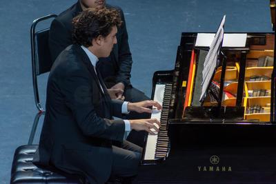 El pianista holandés también tuvo un momento individual en el que ejecutó varias melodías.
