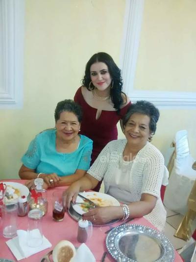 Elvia, Aída y Betty.