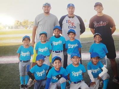 Equipo infantil de beisbol Reales de la Sección 38.