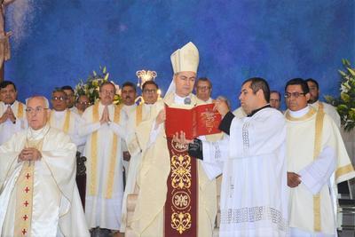 Diócesis de Torreón realiza Misa Crismal
