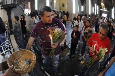 Cada 23 de abril los duranguenses acuden a la Catedral Basílica Menor de Durango para venerar y encomendarse a la figura.