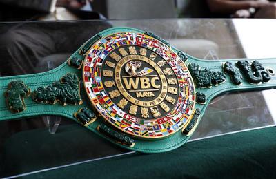 Presentan cinturóEl Consejo Mundial de Boxeo presentó el cinturón maya, el cual estará en disputa en la Vegas, el 4 de mayo en la pelea entre Saúl 'Canelo' Álvarez y Daniel Jacobs.n Maya para pelea Canelo-Jacobs