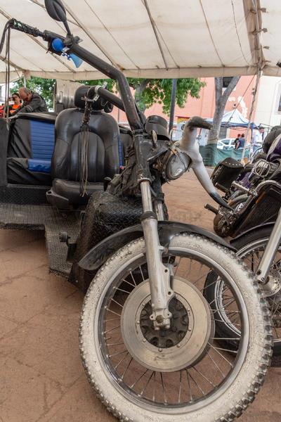 Cada biker mostró el poder de su motocicleta en la Plaza IV Centenario.