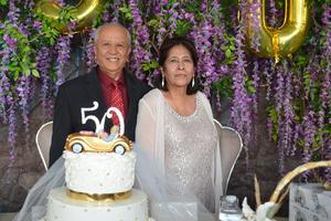25042019 DE FIESTA.  Jaime Hernández caballero y Alicia Carrasco de Hernández.