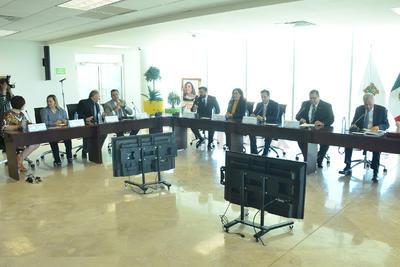 El cabildo de Torreón entregó hoy jueves las llaves de la ciudad a María Eugenia (Kena) Moreno Gómez, quien fundó los Centros de Integración Juvenil (CIJ) a nivel nacional en el año de 1969.