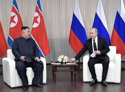Los dos mandatarios no se habían reunido nunca hasta ahora pero, en su primera cumbre se prodigaron en sonrisas y elogios en una muestra de marcada afinidad.