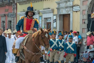 Caballos e historia invaden calles de Durango