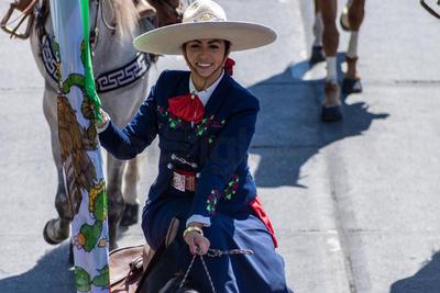 Más de 500 jinetes de diferentes estados del país participaron en el desfile que hubo en Durango.