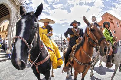 Este domingo, para honrar su presencia en México durante 500 años, la Secretaría de la Defensa Nacional (Sedena) realizó un desfile ecuestre por las principales calles de la ciudad.