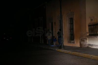Preocupa que la falta de electricidad pudiera tener como consecuencia incidentes viales.