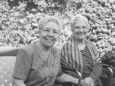 Leonor García y Juanita García.