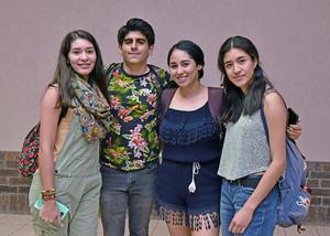 30042019 Maricarmen, Sebastián, Andrea y Marifer.