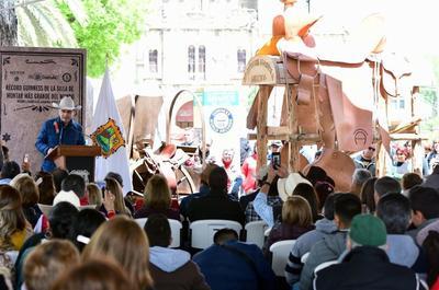 El gobernador Miguel Riquelme reconoció a quienes contribuyeron a este logro.