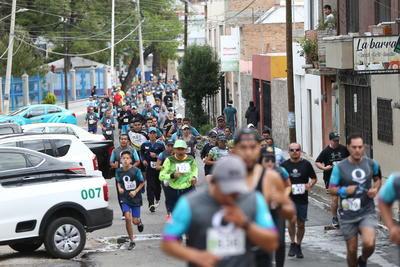 Miles de corredores se dieron cita para el evento deportivo.