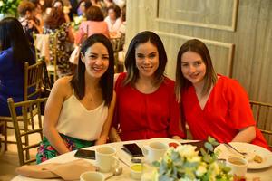 02042019 EN FIESTA DE DESPEDIDA.  Fernanda, Marcela y Fabiola.