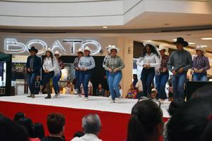 03042019 Alumnos de la Universidad Tecnológica de Torreón.