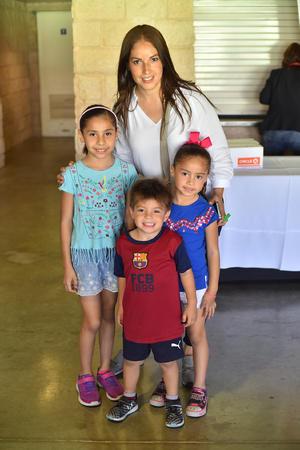 03042019 Maribel, María, Isabel y Ernesto.